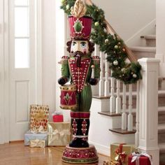 Wonderful Lifesize Soldier With Drum Christmas Nutcracker Statue