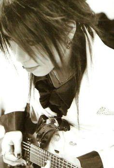 Aoi (The GazettE)