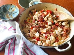 Creamy ((KETO)) Chicken with Blistered Tomatoes & Bacon Keto Chicken, Creamy Chicken, Rotisserie Chicken, Chicken Recipes, Bacon Food, Bacon Recipes, Blue Ribbon, Pasta Salad, Tomatoes