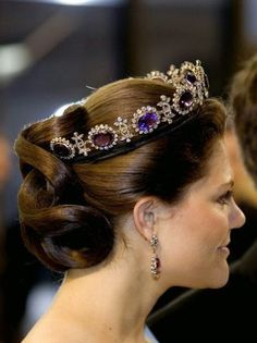 Queen Josephine of Leuchtenberg's Amethyst Tiara. This set of amethysts was originally owned by Napoleon's first wife, Empress Joséphine. She left it to her son, Eugène de Beauharnais, whose daughter, became queen of Sweden. - (on Crown Princess Victoria) Royal Crown Jewels, Royal Crowns, Royal Tiaras, Royal Jewelry, Tiaras And Crowns, Jewellery, Bling Jewelry, Wedding Jewelry, Jewelry Accessories