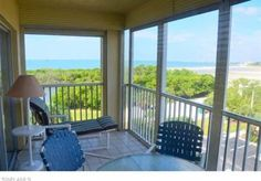 Sand Caper 502 Fort Myers Beach (Florida) Set in Fort Myers Beach, this air-conditioned apartment features a barbecue. The property is 25 km from Fort Myers and free private parking is featured.  The kitchen has a microwave. A flat-screen TV is offered.