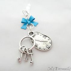 Hey, I found this really awesome Etsy listing at https://www.etsy.com/listing/121683313/clock-and-key-iphone-dust-plug-charm