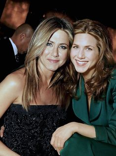 80 Celebrities Photoshopped Next To Their Younger Selves Showcasing the Aging Process Celebrities Before And After, Celebrities Then And Now, Young Celebrities, Beautiful Celebrities, Beautiful Actresses, Celebs, Jennifer Love Hewitt Pics, Jennifer Aniston Pictures, Old Movie Stars