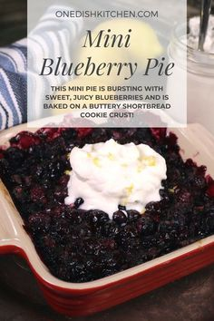 You'll love this easy to make blueberry pie recipe! This mini pie is bursting with sweet, juicy blueberries and is baked on a buttery shortbread cookie crust. Mini Blueberry Pies, Homemade Blueberry Pie, Blueberry Pie Recipes, Summer Dessert Recipes, Delicious Desserts, Cupcake Recipes, Cookie Recipes, Recipe For 1, Slushie Recipe