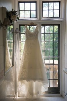 maryland wedding dress Jennifer McMenamin Photography 275x413 French Chateau Inspired Wedding Ceremony in Baltimore: Carolyn + Thomas