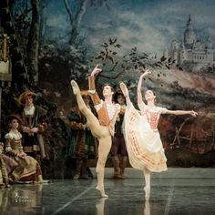 Giselle choreo Mary Skeaping by Estonin National Ballet