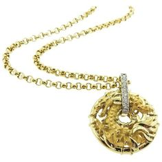 Carrera & Carrera Diamond Gold Dragon Necklace (14.340 BRL) ❤ liked on Polyvore featuring jewelry, necklaces, multiple, diamond chain necklace, gold chain necklace, 18k gold pendant, gold pendant and animal necklaces