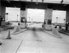 Jacksonville Florida Memory - Toll booths on the Fuller Warren bridge - Jacksonville, Florida  1957