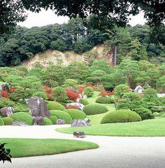 The Kikaku Waterfall, Adachi Museum of Art, Yasugi, Japan. Adachi Museum Of Art, Art Museum, Golf Courses, Waterfall, Japanese Gardens, Rock, Museum Of Art, Skirt, Waterfalls