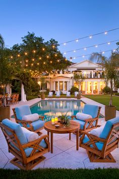 Lovely Floridian pool landscapes with concrete sitting area - click for more inspiration
