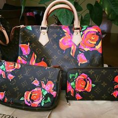 752ad52efeb2 Louis Vuitton Stephen Sprouse Roses Special Limited Edition   Louisvuittonhandbags