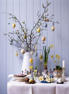 10 Beautiful DIY Spring Home Decorations For Inspiration How to create a spring decoration at home? What kind of typical elements that can be presented to make the house feel like in the atmosphere of spring. Diy Spring, Spring Home Decor, Easter Tree, Easter Eggs, Easter Wreaths, Easter Table Decorations, Easter Decor, Easter Ideas, Easter Centerpiece