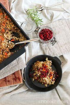 Helppo kaalilaatikon vegaaniversio tehdään soijarouheesta ja sekaan lorautetaan vielä tölkillinen kaurakermaa tuomaan ekstramehevyyttä.