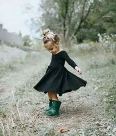 Insta : @_larabeatriiz_ Pinterest : @_larabeatriiz_ #LittleGirlFashion