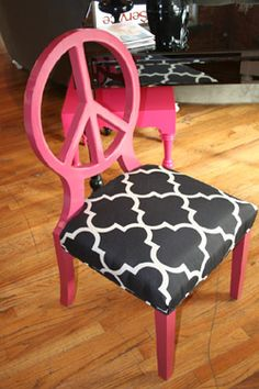 peace sign chair....2 favorite things together...AMAZING