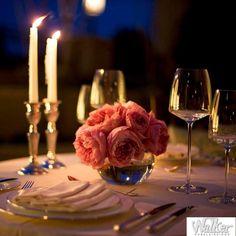 Neste Dia dos Namorados não hesite em caprichar na decoração. Que tal um jantar a luz de velas?   Walker