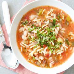 Nu online! Het recept voor een goed gevulde herfst minestronehellip