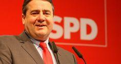 Jetzt kann man schon deutlich erkennen: die Zeit des Sigmar Gabriels als Vorsitzender der SPD und somit als Kanzlerkandidat der Bundestagswahl 2017, ist definitiv vorbei. Es hat sich als richtig herausgestellt gegen TTIP zu sein, aber als vollkommen falsch stattdessen für Ceta in die Bresche zu springen. Die politischen Tage sind für Gabriel gezählt.
