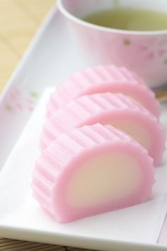 Japanese sweets, Suama made of non-glutinous rice flour and sugar すあま