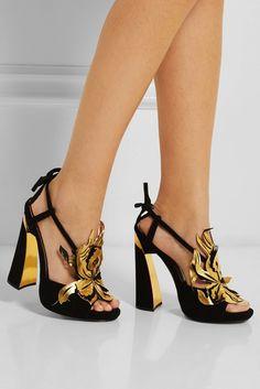 Las 11 sandalias de verano que van a mimar tus pies durante las noches mágicas de verano (via Bloglovin.com )