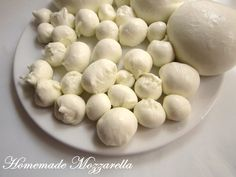 Biochimist La Cratita: Homemade Mozzarella I Mozzarella, Homemade Cheese, Homemade Food, Good Food, Yummy Food, Milk And Cheese, Artisan Cheese, Recipe Boards, How To Make Cheese
