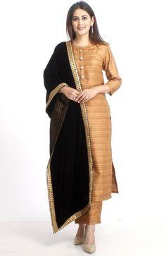 anokherang Combos XS Gold Kundan Silk Kurti with Straight Pants and Black Velvet and Banarsi Stole Silk Kurti Designs, Salwar Designs, Kurta Designs Women, Kurti Designs Party Wear, Blouse Designs, Pakistani Dresses, Indian Dresses, Indian Outfits, Pakistani Suits