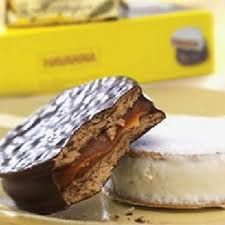 Havanna alfajores, Argentina's most beloved cookie are back! No need to travel to South America, these delightful chocolate coated dreams are here again, as part of the Central Market Chocolate Collection. Alfajores Recipe Argentina, Flapjack Recipe, Pecan Cake, Savoury Cake, Mini Cakes, Clean Eating Snacks, Gourmet Recipes, Food Print, Bonbon