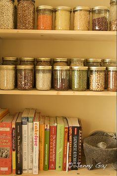 Mason Jar Storage ideas- hope my pantry is this organized one day!