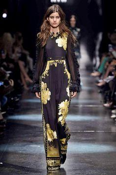 Milan Fashion Week - Roberto Cavalli Autumn/Winter 2015/2016 RTWvvvv