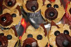 Awe german shepherd dog cuppiecakes, Perfect for Pelham! Dog Cupcakes, Cupcake Cakes, Cup Cakes, Baby Cakes, Yummy Treats, Sweet Treats, Puppy Birthday Parties, Cat Birthday, Birthday Cakes
