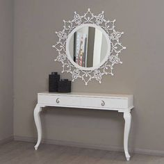 Take a moment to check at a few mirror ideas that we've gathered and hopefully it will offer some inspiration. Home Room Design, Living Room Designs, Living Room Decor, Design Homes, Luxury Furniture, Home Furniture, Furniture Design, Cooler Spiegel, Modern Mirror Design