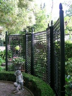 .I love a black fence, I would still like to do one in my yard