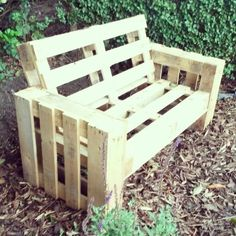 "Adorable Dog House with Recycled Pallets Ideas Pallet Furniture Projects Step-by-Step: How to build a ""garden sofa"" out of old pallets – DIY Pallet Sofa: A simple garden sofa / bench from re-used pallets"