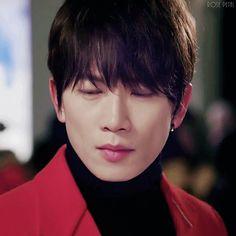 """kill me heal me. ji sung. shin segi.  킬미힐미. 지성. 신세기. 청순세기. """"그게 따뜻해 보이는군."""""""