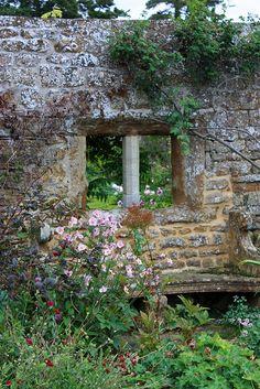 BROUGHTON CASTLE GARDENS | Flickr - Photo Sharing!