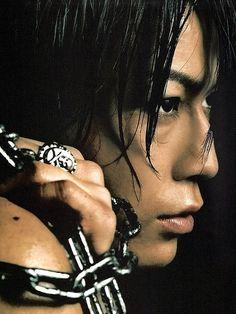 Kamenashi Kazuya ...I love this man's profile