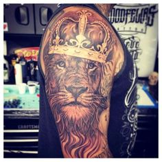 If it comes to cherub tattoo designs, there are a number of different choices to look at. Your dog tag tattoo design can depict anything you want, providing you with thousands of unique alternatives. Dog tag tattoo designs can be… Continue Reading → Crown Tattoo Men, Crown Tattoo Design, Mens Lion Tattoo, Lion Tattoos For Men, Lion Tattoo With Crown, Lion Chest Tattoo, Lion Back Tattoo, Leo Tattoos, Future Tattoos