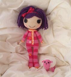 Descabdello: Vols fer la Lalaloopsy Pillow de ganxet? Crochet Dolls, Knit Crochet, Crochet Hats, Crochet Ideas, Real Baby Dolls, Kawaii, Amigurumi Doll, Little People, Needlepoint