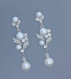 Crystal Pearl Bridal Earrings JamJewels www.etsy.com/listing/91627552