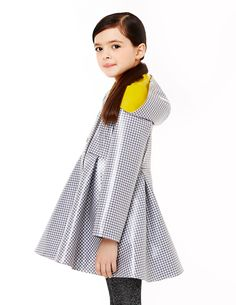 Adorable houndstooth raincoat for children. Veux.com