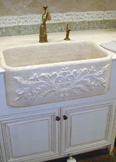 Can't decide if I like this or copper better. Would want it to be a double basin. Can't decide if I like this or copper better. Would want it to be a double basin. Always wanted to learn how to knit, ne. Country Kitchen, New Kitchen, Kitchen Ideas, Kitchen Design, Small Farmhouse Sink, Cozinha Shabby Chic, Diy Kitchen Remodel, Kitchen Remodeling, Farm Sink