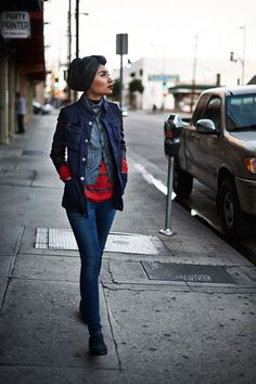 Yuna is wearing the 3301 Jeg Skinny Women, the Manor Brogue Lace NBK and the Davin Vest (available 15-11-13)