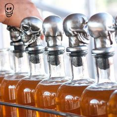 Our skull 💀  is bottled 👉 manually.  #Tequilapadrezul #canyoutellwereexcited #tequilapadreazul #artisanal #thebesttequila #superpremiumtequila #lifecanbefantastic #Mexicantradition #handmade #salud #quepadre #tequila #Añejo #Reposado #B