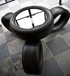mesa de centro feita de pneus