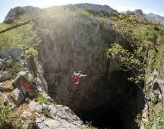 Must see while in the San Luis Potosi, will fit the empire state building and as wide as 3 football fields. The Places Youll Go, Places To See, Cave Diving, Base Jumping, Paragliding, Skydiving, Extreme Sports, Mexico Travel, Adventure Awaits