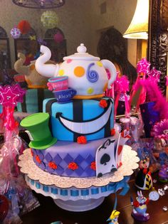 alice in wonderland baby birthday | Alice in Wonderland Tea party Birthday Cake