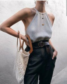 minimalist fashion minimalist outfit minimalist style - ideas for life minimalist Mode Outfits, Stylish Outfits, Fashion Outfits, Fashion Trends, Womens Fashion, Fashion Ideas, Fashion Clothes, Dressy Outfits, Fashion Boots