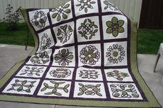 Celtic Quilt - I think this will be the basis of my next quilt.  It will match my new green wall in my bedroom.