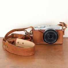 富士フイルムX-A2/X-A1/X-M1専用ホルダー&カメラストラップ|monogram