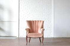 172 best upholstered seating specialty vintage rentals images in rh pinterest com
